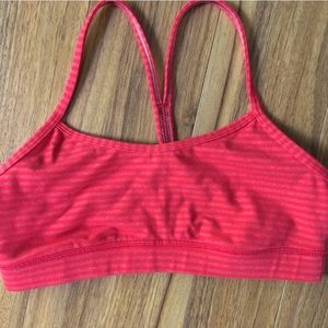 Lululemon flow Y sports bra size 6 red